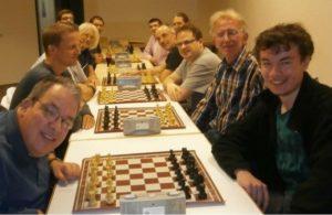 Uwe Bremke (rechts, dritter von vorn) auf dem Weg zum Titel.